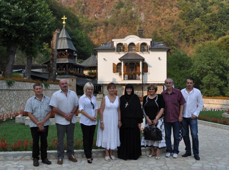 U poseti manastiru Lovnica